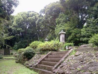 ◆ 水野家墓所(みずのけぼしょ)  和歌山県新宮市